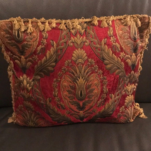 Other - ✨Decorative throw pillow!✨